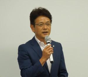 閉会の挨拶をする加藤流通副委員長