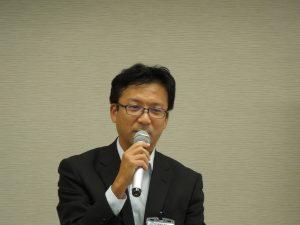 説明する神奈川県県土整備局建設業課宅建指導担当 芳賀様