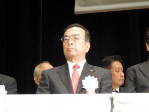 執行部席に座る秋山始専務理事(神奈川県本部長)