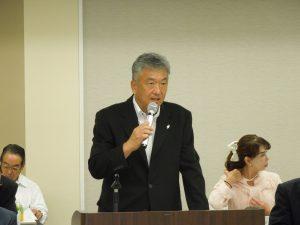 審議事項を説明する佐々木副本部長